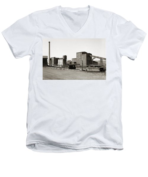 The Huber Colliery Ashley Pennsylvania 1953 Men's V-Neck T-Shirt