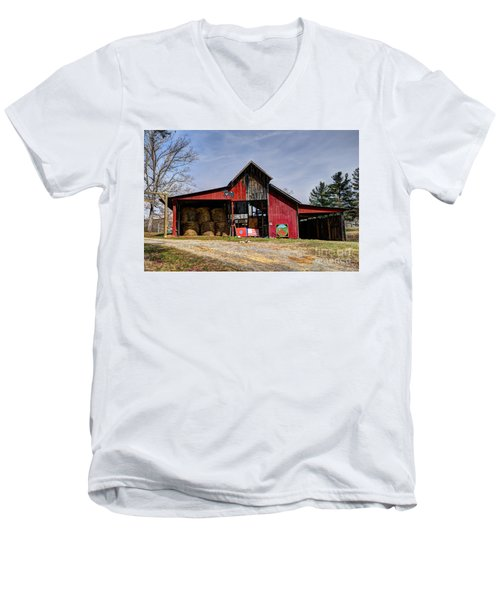 The New Barn Men's V-Neck T-Shirt