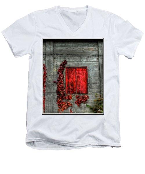 The Red Loft Men's V-Neck T-Shirt