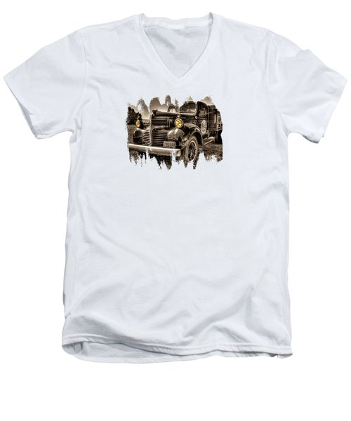 Tillamook Cheese Express Men's V-Neck T-Shirt