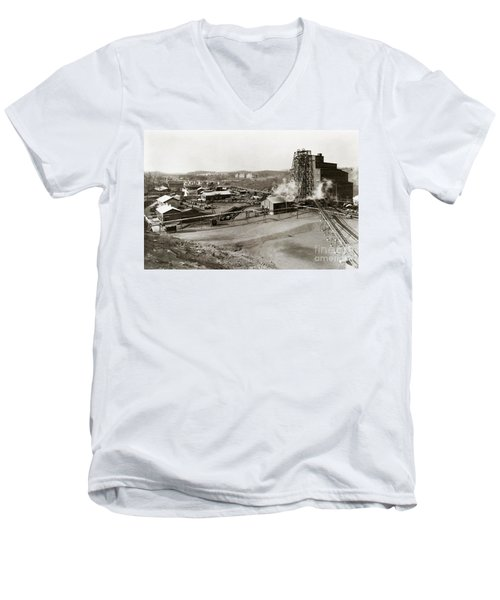 The Wanamie Colliery Lehigh And Wilkes Barre Coal Co Wanamie Pa Early 1900s Men's V-Neck T-Shirt