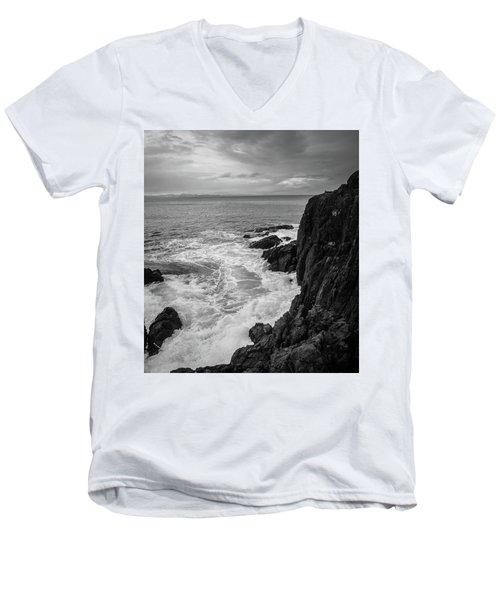 Tidal Dance Men's V-Neck T-Shirt