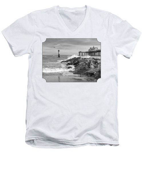 Tide's Turning - Black And White - Southwold Pier Men's V-Neck T-Shirt