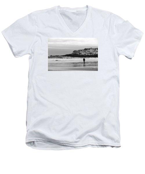 Time To Think Men's V-Neck T-Shirt