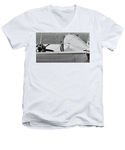 Tin Drag Men's V-Neck T-Shirt