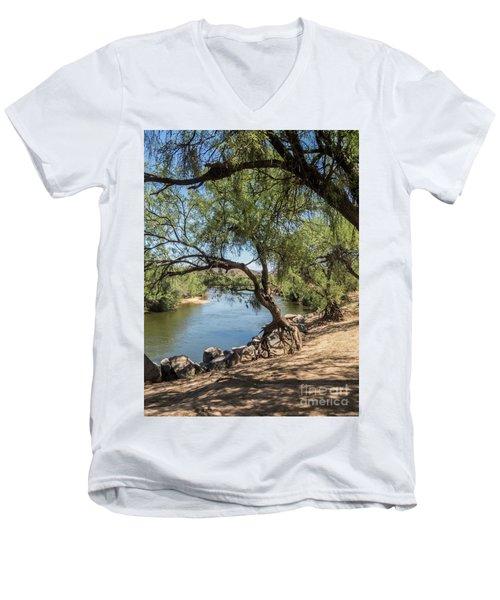 Tiptoeing Men's V-Neck T-Shirt