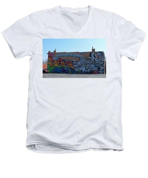 Toledo Loves Love Men's V-Neck T-Shirt