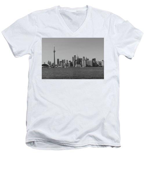 Toronto Cistyscape Bw Men's V-Neck T-Shirt