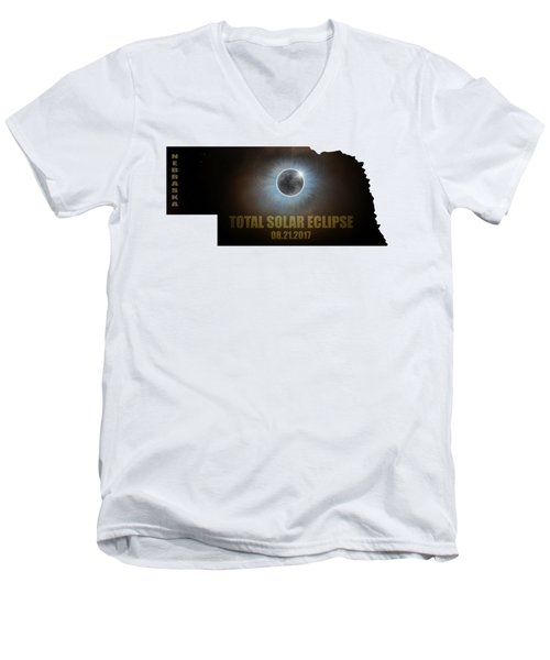 Total Solar Eclipse In Nebraska Map Outline Men's V-Neck T-Shirt