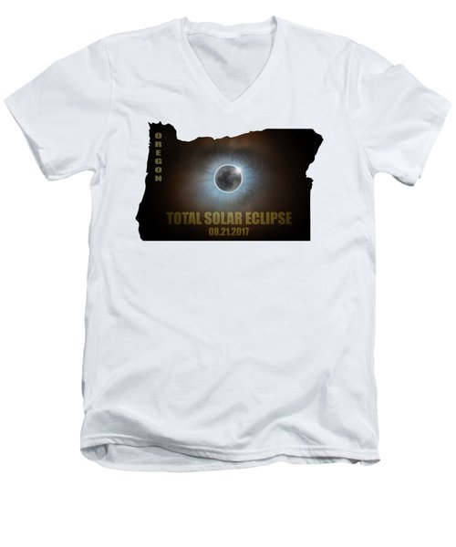 Total Solar Eclipse In Oregon Map Outline Men's V-Neck T-Shirt