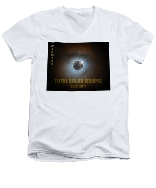 Total Solar Eclipse In Wyoming Map Outline Men's V-Neck T-Shirt