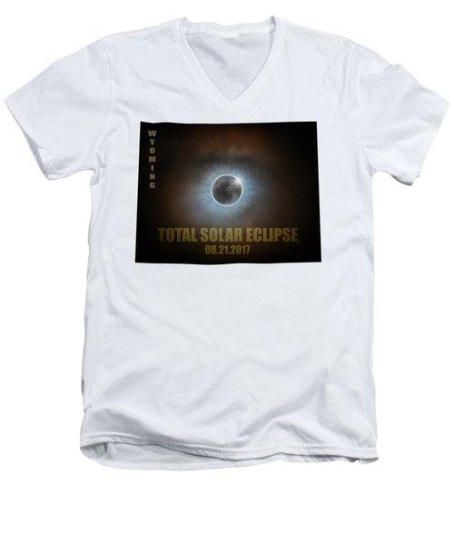 Total Solar Eclipse In Wyoming Map Outline Men's V-Neck T-Shirt