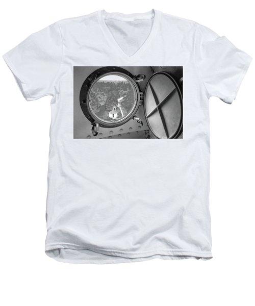 Tower View Men's V-Neck T-Shirt