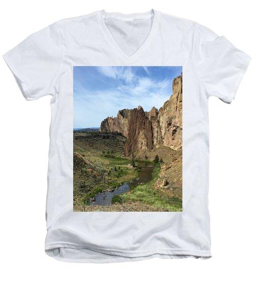 Towering Smith Rocks Men's V-Neck T-Shirt