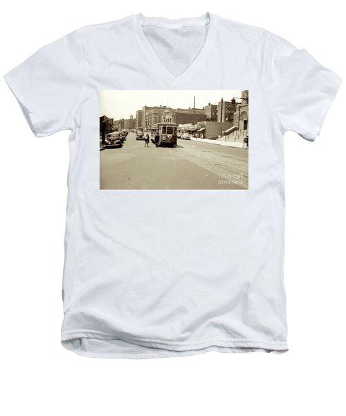 Trolley Time Men's V-Neck T-Shirt