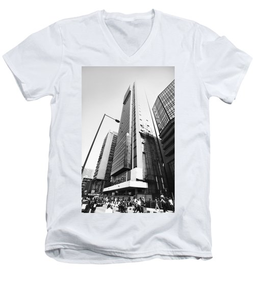 Union Bank Hq, Marina Men's V-Neck T-Shirt