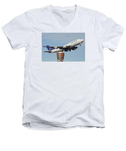United Boeing 747-422 N128ua Phoenix Sky Harbor January 2 2015 Men's V-Neck T-Shirt by Brian Lockett