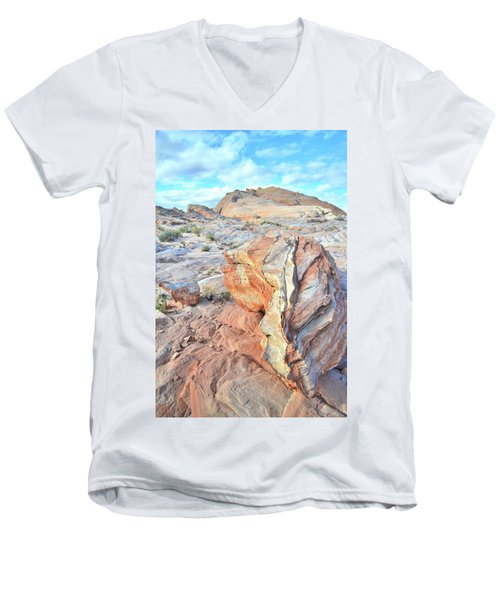 Valley Of Fire Alien Boulder Men's V-Neck T-Shirt