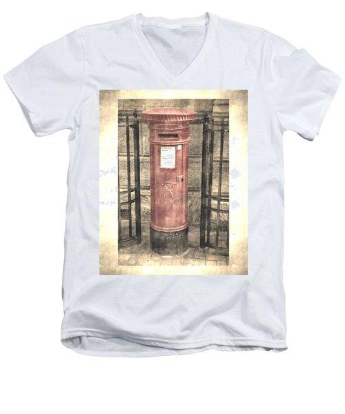 Victorian Red Post Box Men's V-Neck T-Shirt