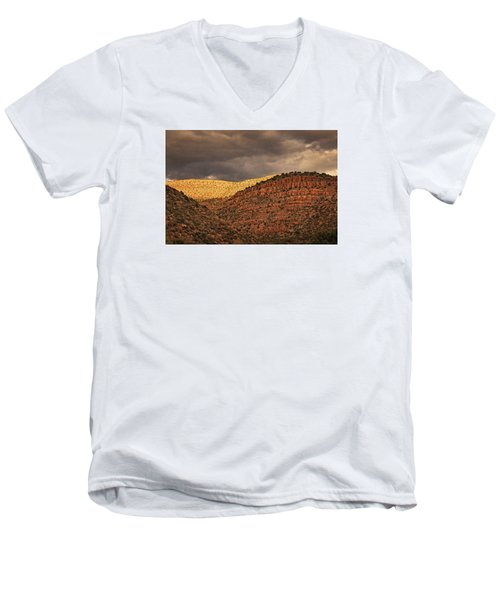 View From A Train Txt Men's V-Neck T-Shirt