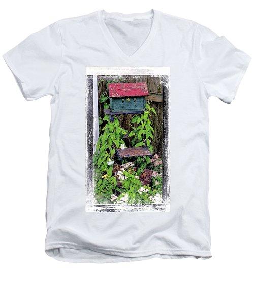 Vintage Bird House Men's V-Neck T-Shirt
