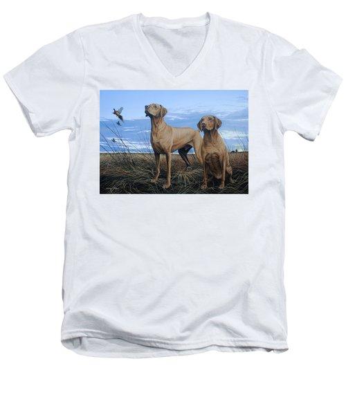 Vizslas Men's V-Neck T-Shirt