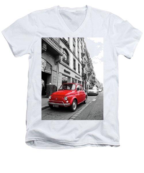 Voiture Rouge Men's V-Neck T-Shirt