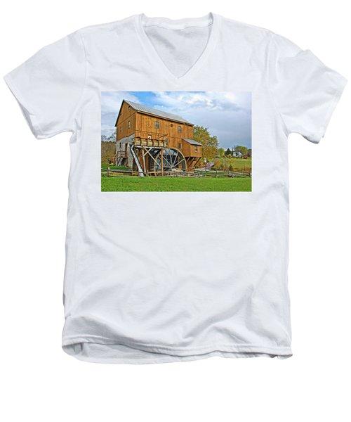 Wades Mill Men's V-Neck T-Shirt