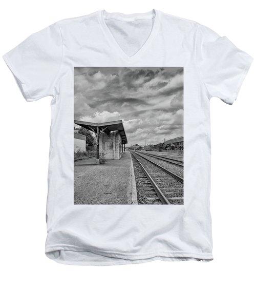 Waiting For The Train Men's V-Neck T-Shirt