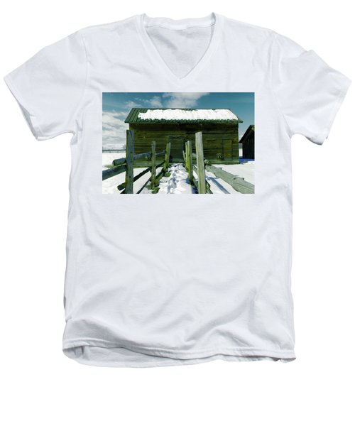 Men's V-Neck T-Shirt featuring the photograph Walkway To An Old Barn by Jeff Swan