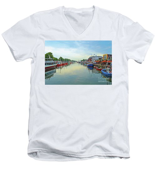 Warnemunde Germany Port Men's V-Neck T-Shirt