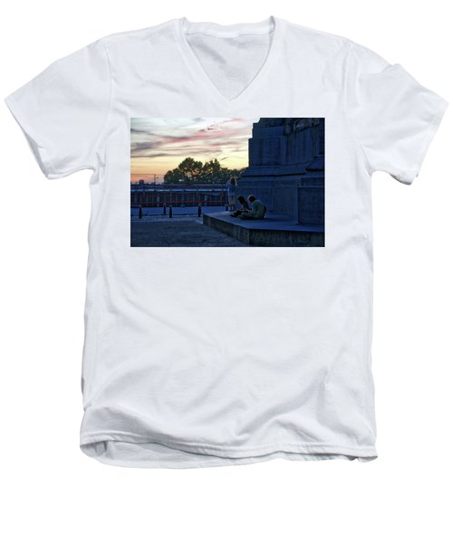 Watching The Sunset Men's V-Neck T-Shirt