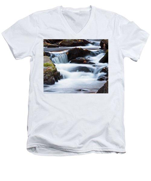 Water Like Mist Men's V-Neck T-Shirt