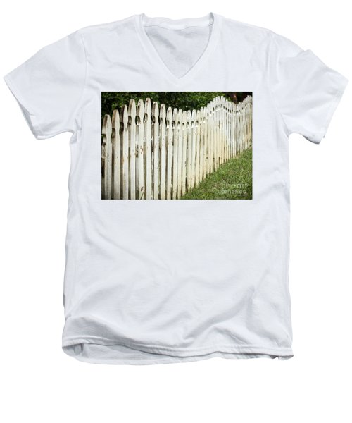 Weathered Fence Men's V-Neck T-Shirt