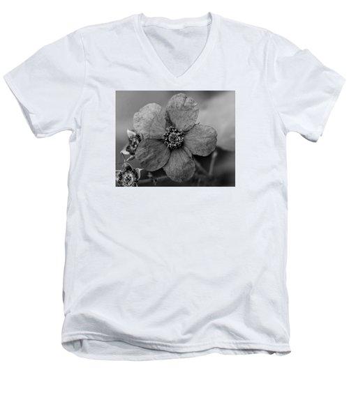 Weed 4 Men's V-Neck T-Shirt by Simone Ochrym