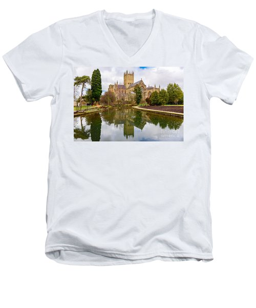 Men's V-Neck T-Shirt featuring the photograph Wells Cathedral by Colin Rayner