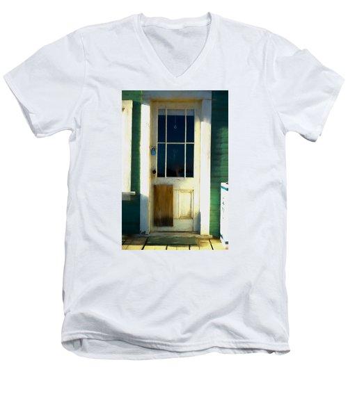 White Door -da- Men's V-Neck T-Shirt