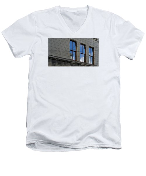 Windows Men's V-Neck T-Shirt