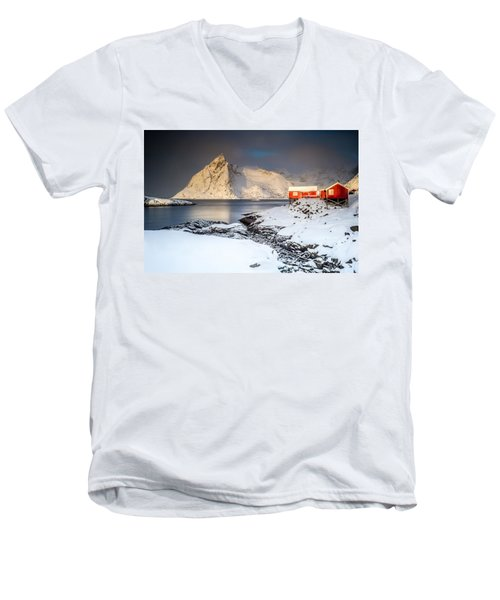 Winter In Lofoten Men's V-Neck T-Shirt