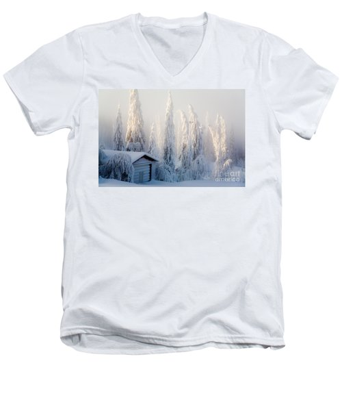 Winter Scene Men's V-Neck T-Shirt