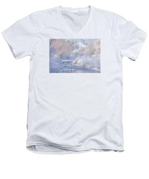 Winter Wonderland - Colorado Men's V-Neck T-Shirt