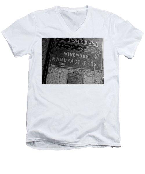 Wirework Men's V-Neck T-Shirt