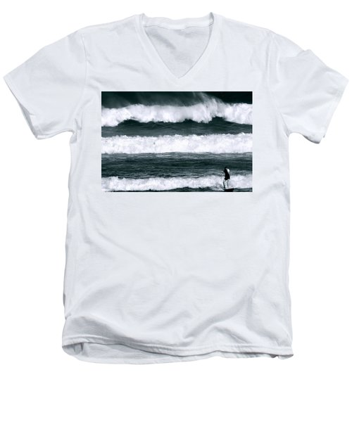 Woman Surfer Men's V-Neck T-Shirt