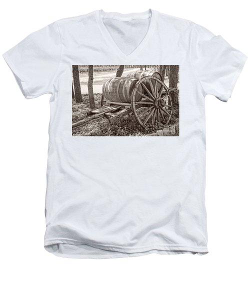 Wooden Wine Barrels On Cart Men's V-Neck T-Shirt