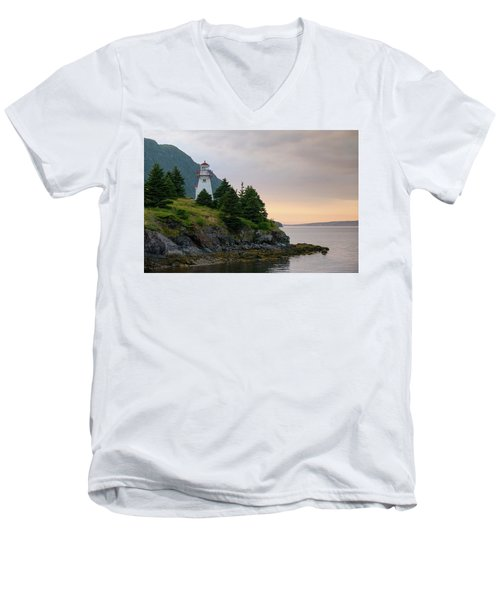 Woody Point Lighthouse - Bonne Bay Newfoundland At Sunset Men's V-Neck T-Shirt