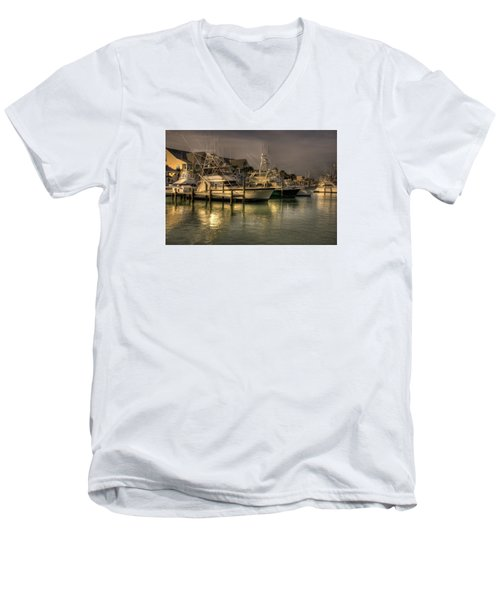 Yachts In Hdr Men's V-Neck T-Shirt