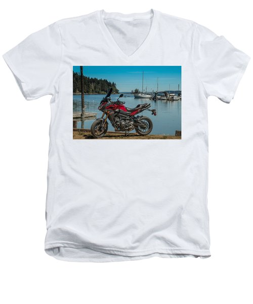 Yamaha Fj-09 .6 Men's V-Neck T-Shirt