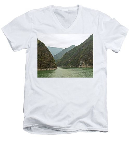 Yangtze Gorge Men's V-Neck T-Shirt