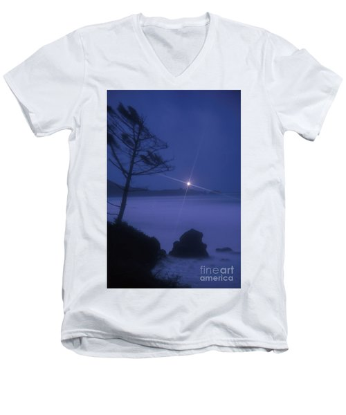Yaquina Head At Night Men's V-Neck T-Shirt