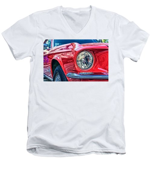 Red Vintage Car Men's V-Neck T-Shirt